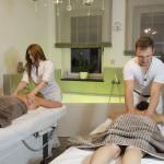 Doppelmassage bei einem Beautytag im Lifestyle mit der besten Freundin oder Ihrem Partner