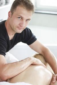 Wolfgang bei der Lomi-Massage