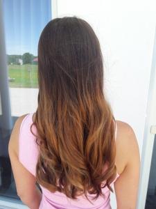 Haare mit trendiger Sommerfarbe