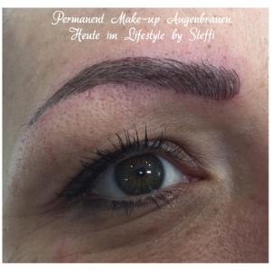 Tolle Augenbrauen mit Permanent Makeup